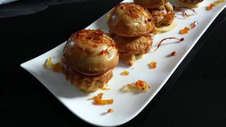 RECIPE MAIN IMAGE Gâteau aux pommes façon religieuse