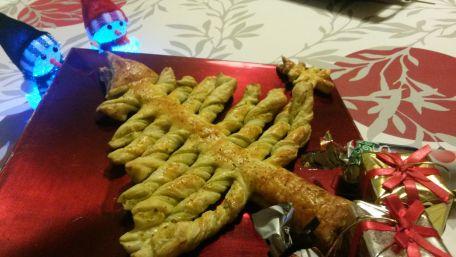 RECIPE MAIN IMAGE Sapin Apéro-Pesto