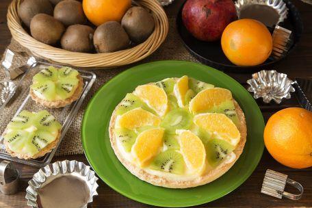 RECIPE MAIN IMAGE Gâteau de fruits exotiques à la crème