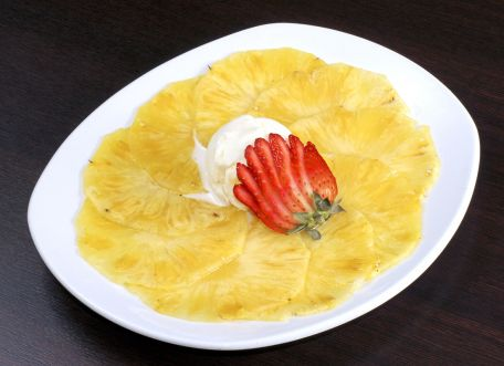 RECIPE MAIN IMAGE Carpaccio d\'ananas au gingembre