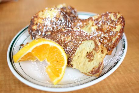 RECIPE MAIN IMAGE Pain perdu aux oranges et à la cannelle
