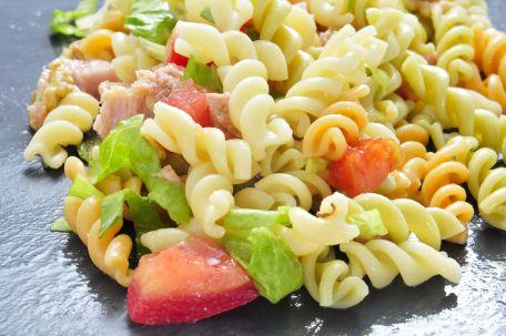 RECIPE MAIN IMAGE Salade de torsades à la dinde