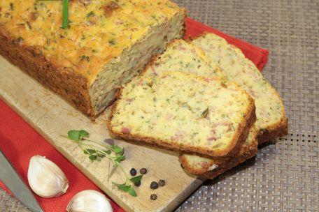 RECIPE MAIN IMAGE Cake au saumon et au poireau