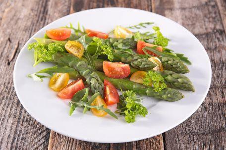 RECIPE MAIN IMAGE Salade d\'asperges et tomates