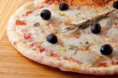 RECIPE MAIN IMAGE Pizza quatre fromages \
