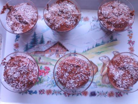 RECIPE MAIN IMAGE Mousse au chocolat