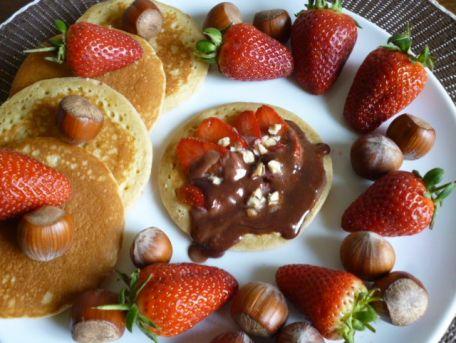 RECIPE MAIN IMAGE Pancakes gourmands avec Côte d'Or Chocolat au lait Dessert