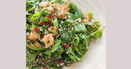 RECIPE MAIN IMAGE  Salade de Quinoa accompagnée de poulet au sésame à l\'asiatique