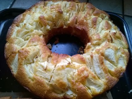 RECIPE MAIN IMAGE Gâteau aux pommes