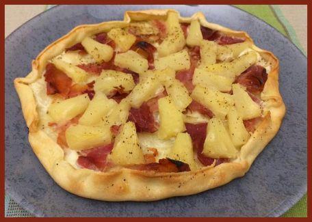 RECIPE MAIN IMAGE Mini pizza jambon ananas (miel)
