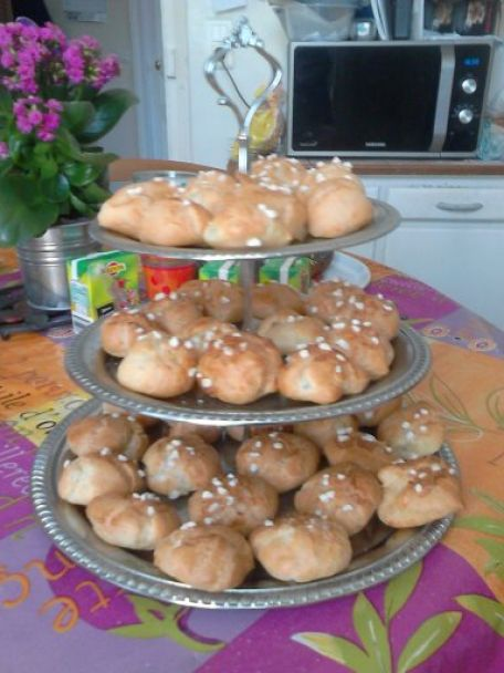 RECIPE MAIN IMAGE Chouquettes