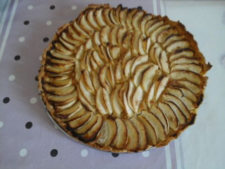 RECIPE MAIN IMAGE Tarte pommes amandes sans gluten