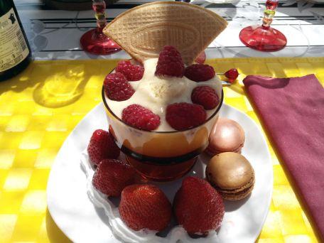 RECIPE MAIN IMAGE Coupe de Crème Anglaise rafraichissante aux fruits