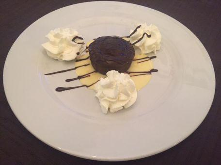 RECIPE MAIN IMAGE Recette pour gourmand pressé - 2 Coulants au chocolat  , vite fait , vite mangé