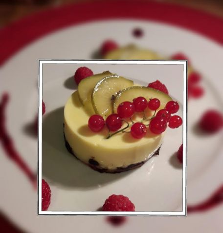 RECIPE MAIN IMAGE FLAN PATISSIER ET FRUITS ROUGES