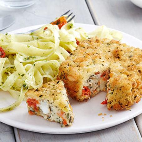 RECIPE MAIN IMAGE Tagliatelles au pesto et carré gourmand