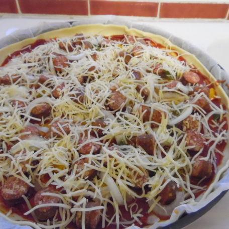 RECIPE MAIN IMAGE Pizza aux merguez et poivron