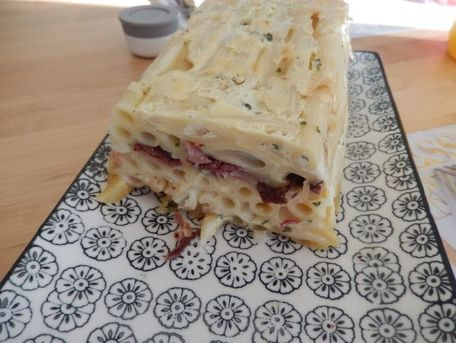 RECIPE MAIN IMAGE Pasta cake à la raclette