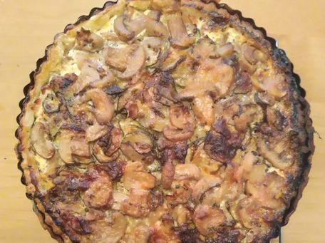 RECIPE MAIN IMAGE Tarte aux courgettes, champignons, bacon et jambon de Bayonne