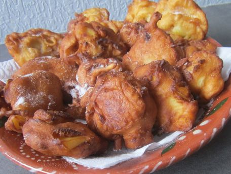 RECIPE MAIN IMAGE Beignets surprises aux fruits frais