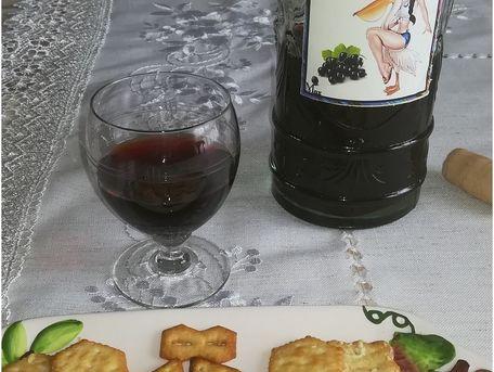 RECIPE MAIN IMAGE Vin de cassis
