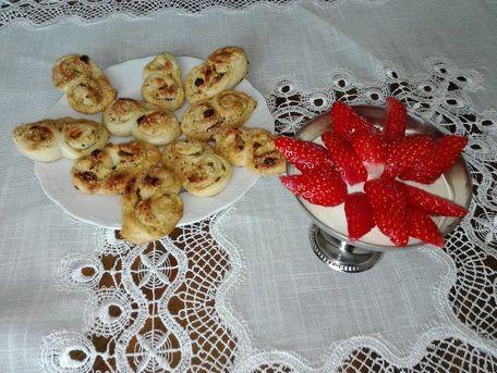 RECIPE MAIN IMAGE Palmiers aux fruits secs
