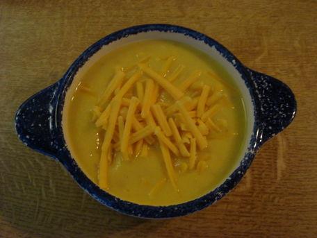 RECIPE MAIN IMAGE Soupe de maïs au bacon et cheddar