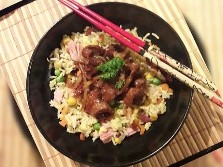 RECIPE MAIN IMAGE Boeuf aux oignons à la chinoise au wok