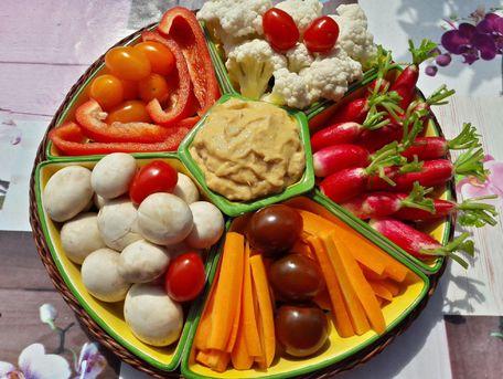 RECIPE MAIN IMAGE Petits légumes crus mayonnaise au thon