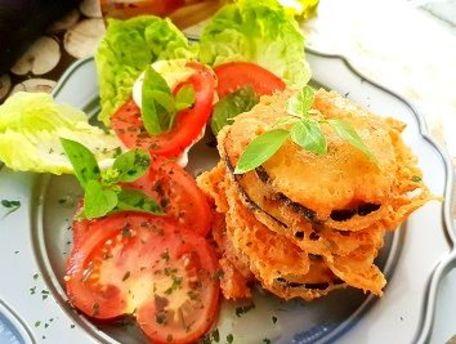 RECIPE MAIN IMAGE Beignets d'aubergines au parmesan basilic