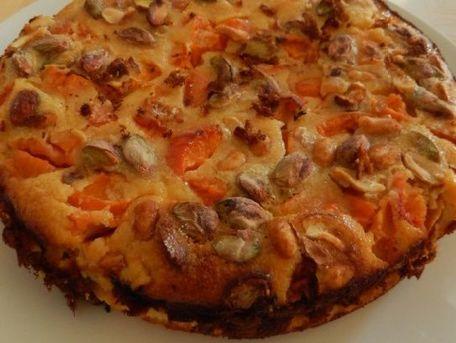 RECIPE MAIN IMAGE Clafoutis aux abricots et pistaches
