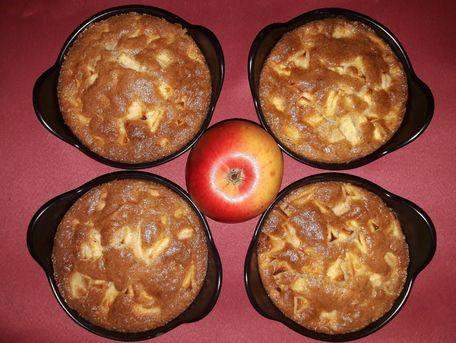 RECIPE MAIN IMAGE Gâteau au pommes en cassolettes