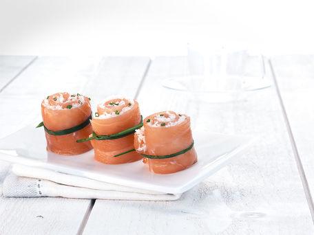 RECIPE MAIN IMAGE Roulés de saumon fumé et crabe