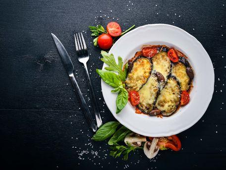 RECIPE MAIN IMAGE Lasagnes de crabe à l'aubergine et à l'estragon