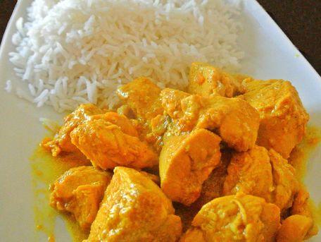 RECIPE MAIN IMAGE Sauté de porc au curry et lait de coco