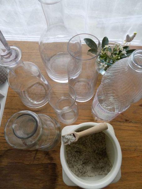 ADVICE MAIN IMAGE Nettoyer une carafe ou une bouteille en verre ou en cristal