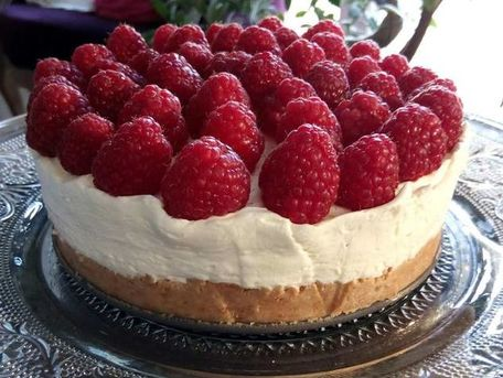 RECIPE MAIN IMAGE Cheese cake au chocolat blanc et framboises