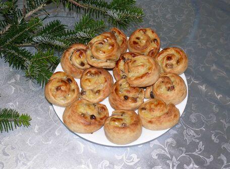 RECIPE MAIN IMAGE Petits pains aux raisins