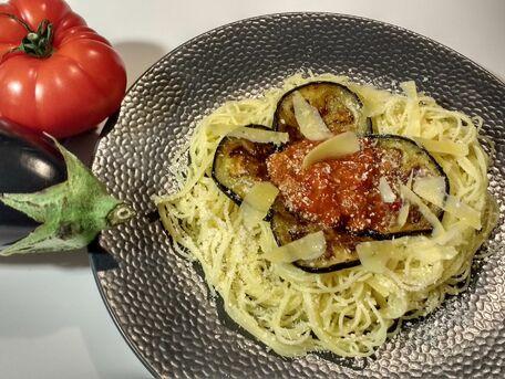 RECIPE MAIN IMAGE Spaghettis aux aubergines et tomates