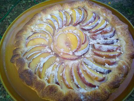 RECIPE MAIN IMAGE Tarte nectarines et amandes