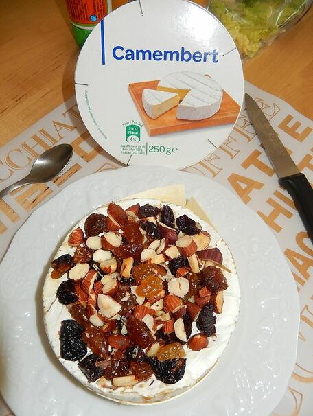 RECIPE MAIN IMAGE Camembert au four