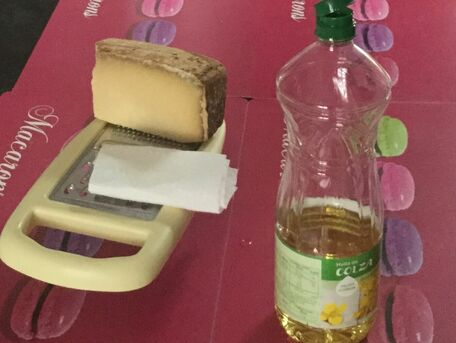 ADVICE MAIN IMAGE Pour raper du fromage plus facilement !