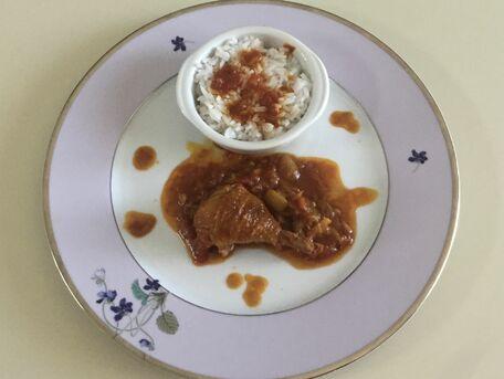 RECIPE MAIN IMAGE Poulet au curcuma, curry et tomates