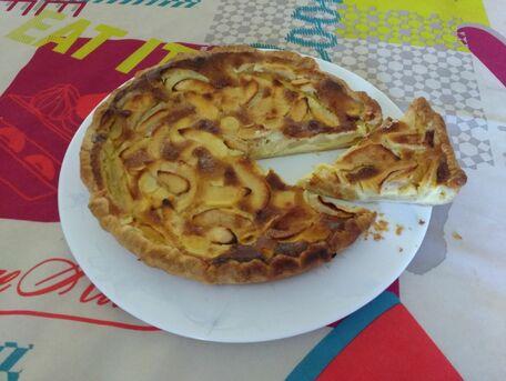 RECIPE MAIN IMAGE Tarte aux pommes à la crème