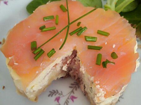 RECIPE MAIN IMAGE Cheesecake au saumon fumé et fromage frais