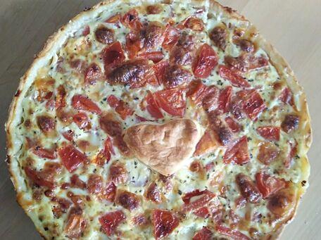 RECIPE MAIN IMAGE Tarte au thon, tomates et mozzarella