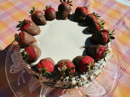 RECIPE MAIN IMAGE Gâteau aux 2 chocolats et fraises
