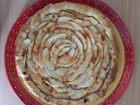 RECIPE MAIN IMAGE Tarte aux pommes légere à la frangipane