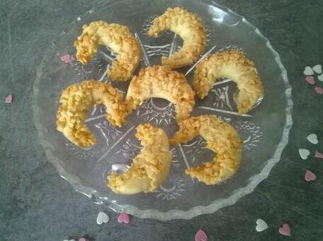 RECIPE MAIN IMAGE Croissants orientaux aux amandes