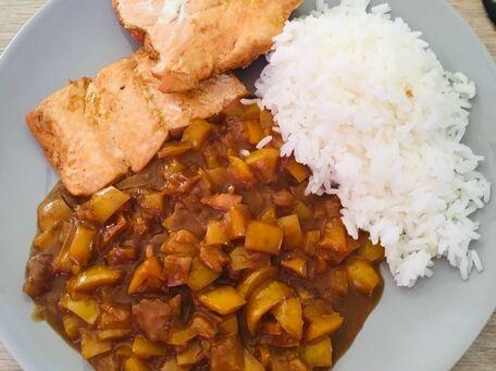 RECIPE MAIN IMAGE Pavés de saumon et sa compoté de poivrons façon thaï